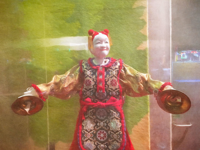 Puppet with cymbals