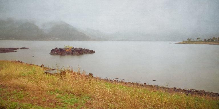 Mountains and cloud across Lake Kawaguchiko